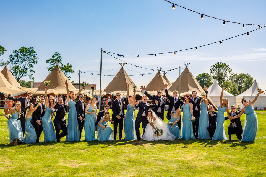 Real wedding in Oxfordshire with private tipis captured by Lina Tom Photography