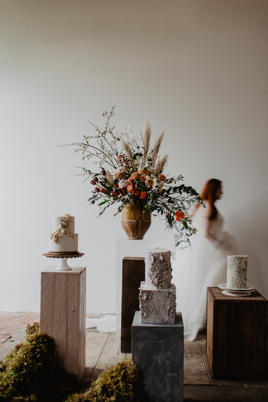 The Toast and Olivejoy Photography's breathtaking wedding styling blog from Bignor House (34)