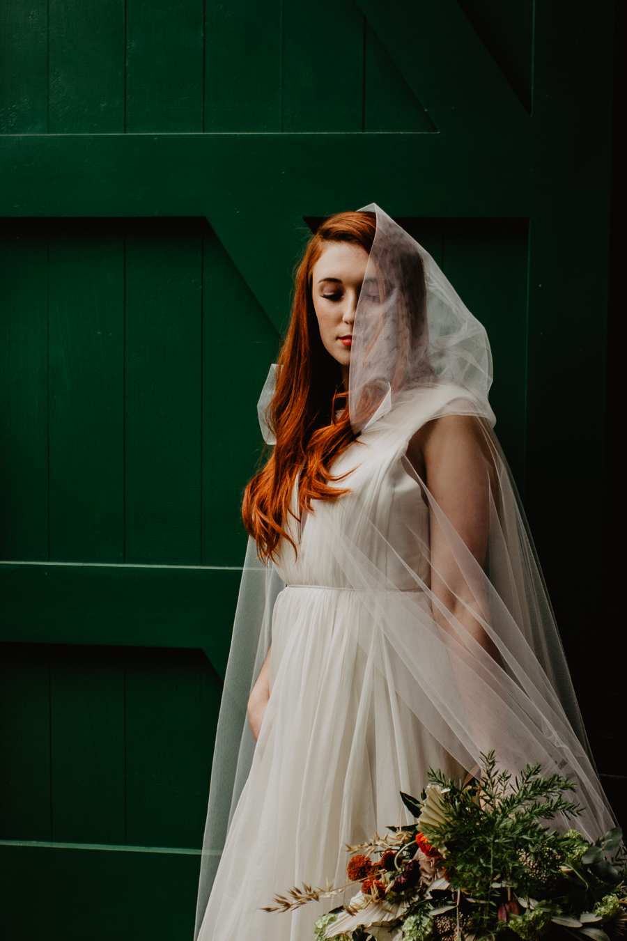 The Toast and Olivejoy Photography's breathtaking wedding styling blog from Bignor House (38)