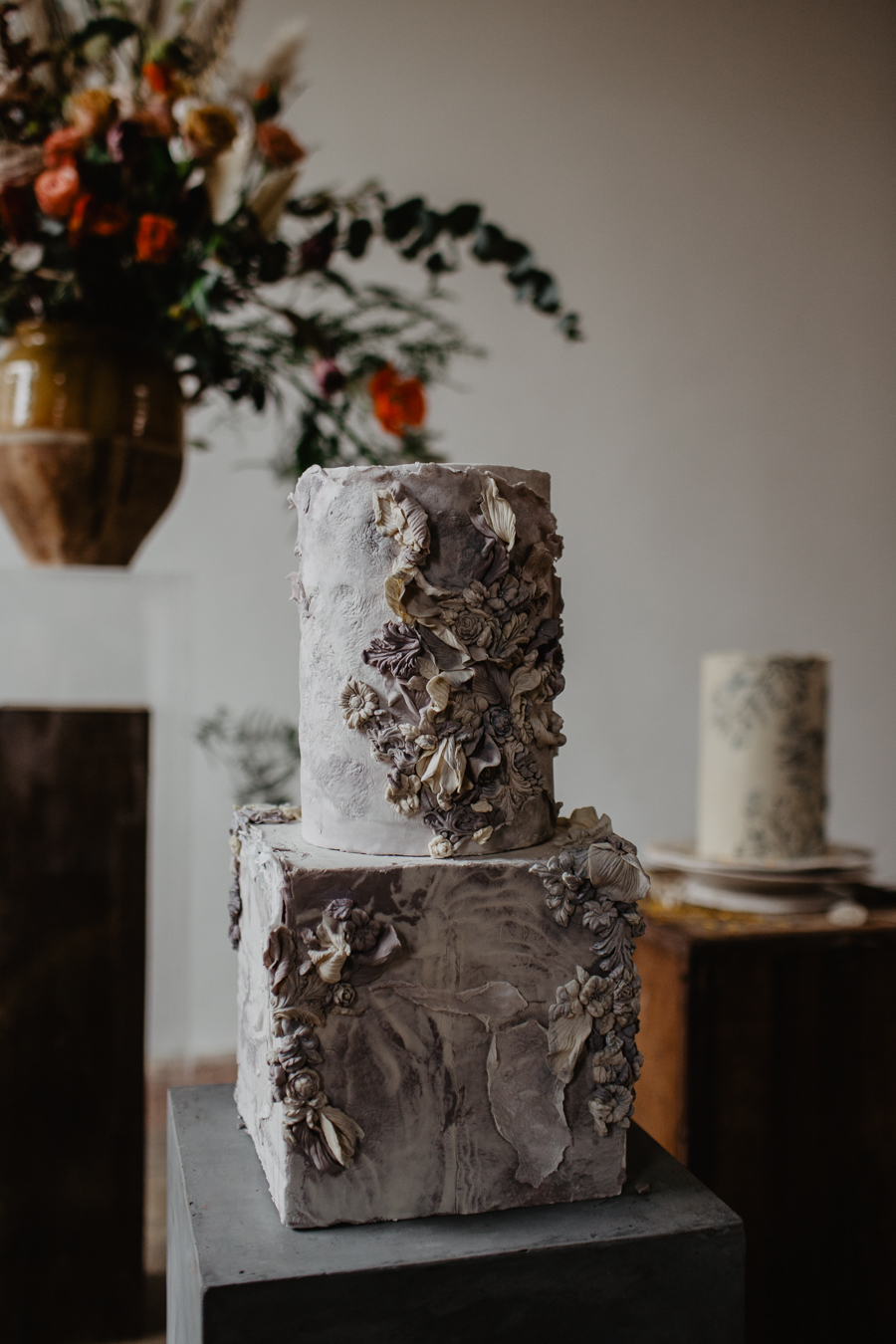 The Toast and Olivejoy Photography's breathtaking wedding styling blog from Bignor House (40)