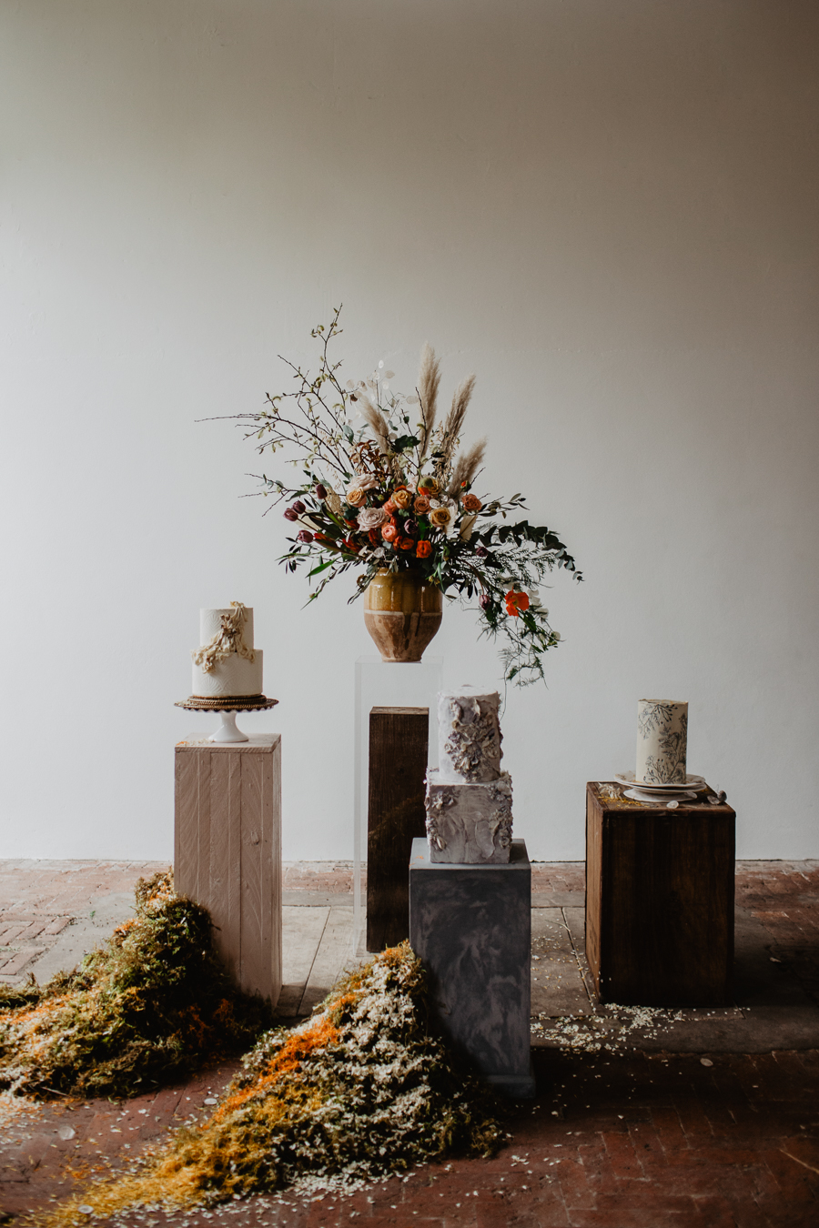 The Toast and Olivejoy Photography's breathtaking wedding styling blog from Bignor House (42)