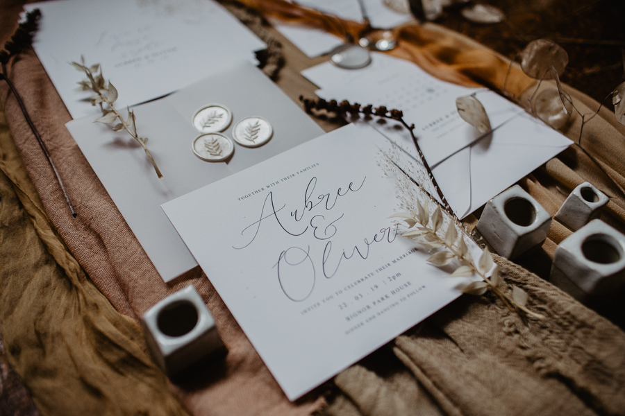 The Toast and Olivejoy Photography's breathtaking wedding styling blog from Bignor House (44)