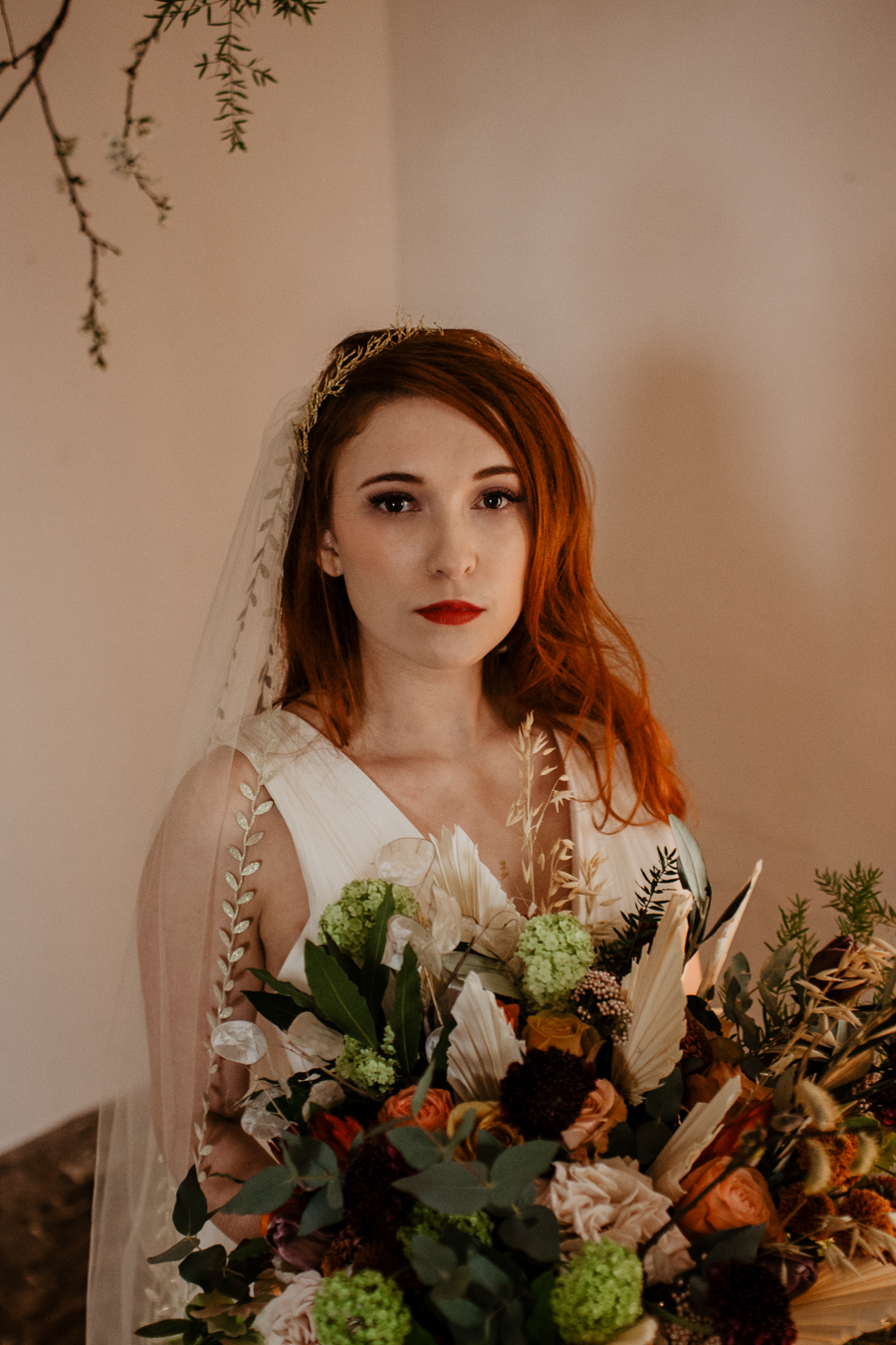 The Toast and Olivejoy Photography's breathtaking wedding styling blog from Bignor House (13)