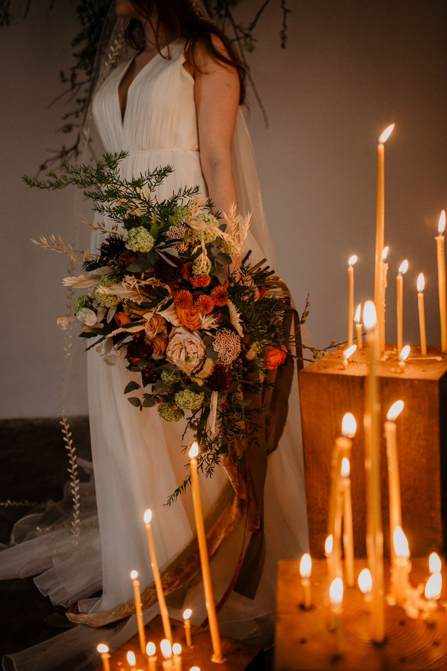 The Toast and Olivejoy Photography's breathtaking wedding styling blog from Bignor House (14)