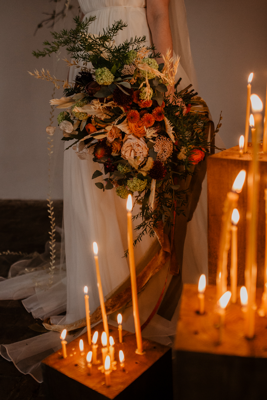 The Toast and Olivejoy Photography's breathtaking wedding styling blog from Bignor House (15)