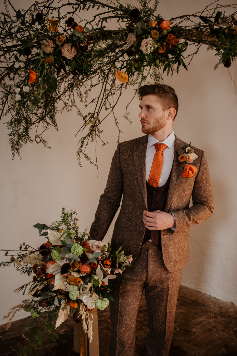 The Toast and Olivejoy Photography's breathtaking wedding styling blog from Bignor House (16)