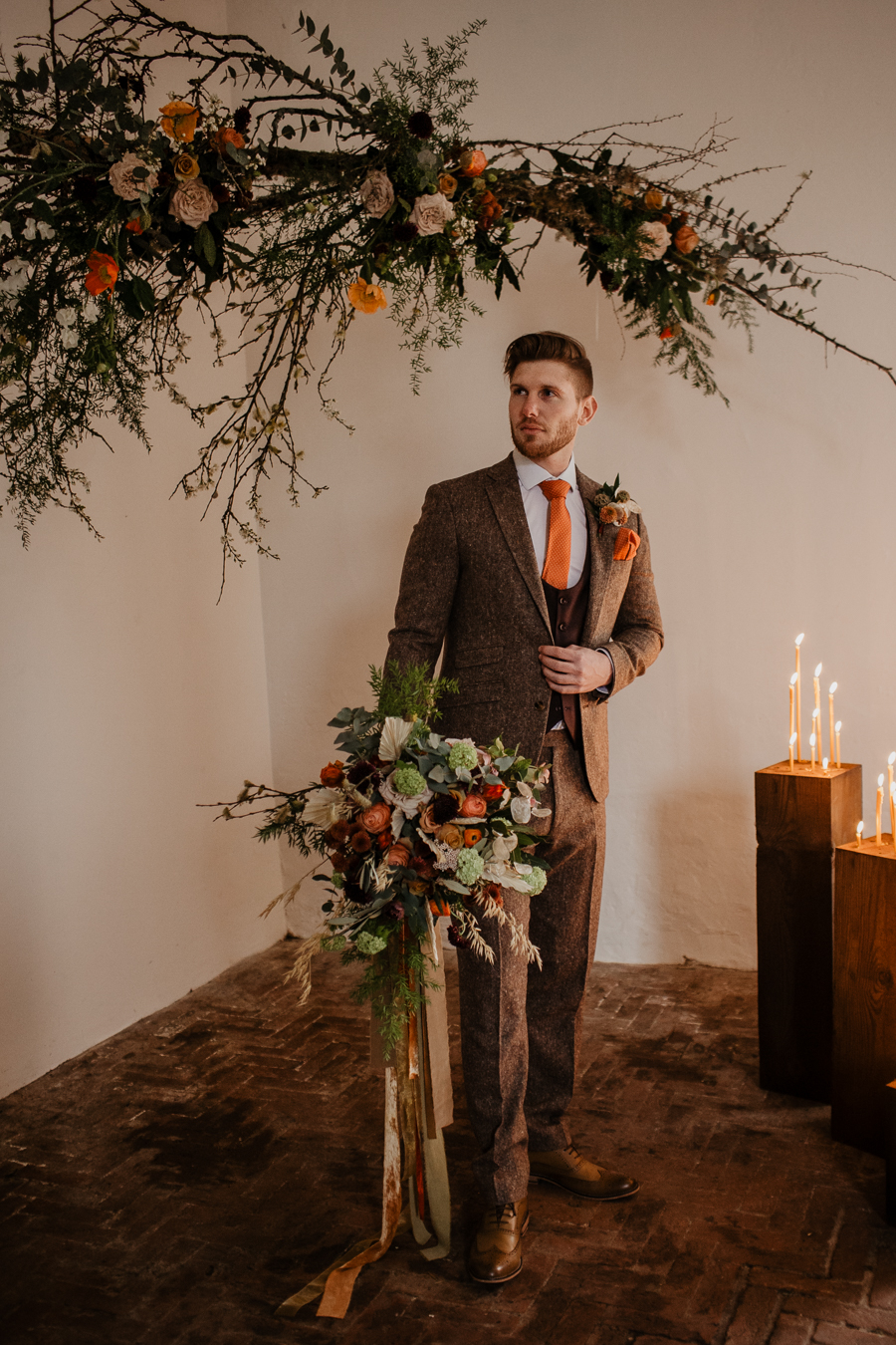 The Toast and Olivejoy Photography's breathtaking wedding styling blog from Bignor House (17)