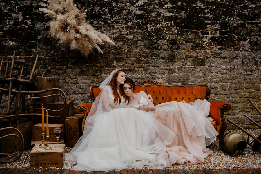 The Toast and Olivejoy Photography's breathtaking wedding styling blog from Bignor House (21)