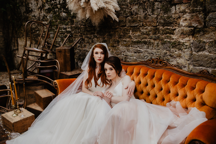 The Toast and Olivejoy Photography's breathtaking wedding styling blog from Bignor House (22)