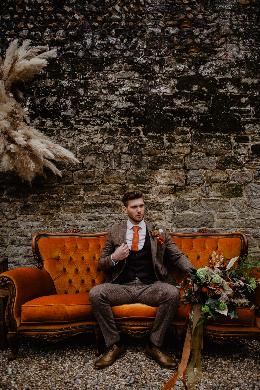 The Toast and Olivejoy Photography's breathtaking wedding styling blog from Bignor House (24)