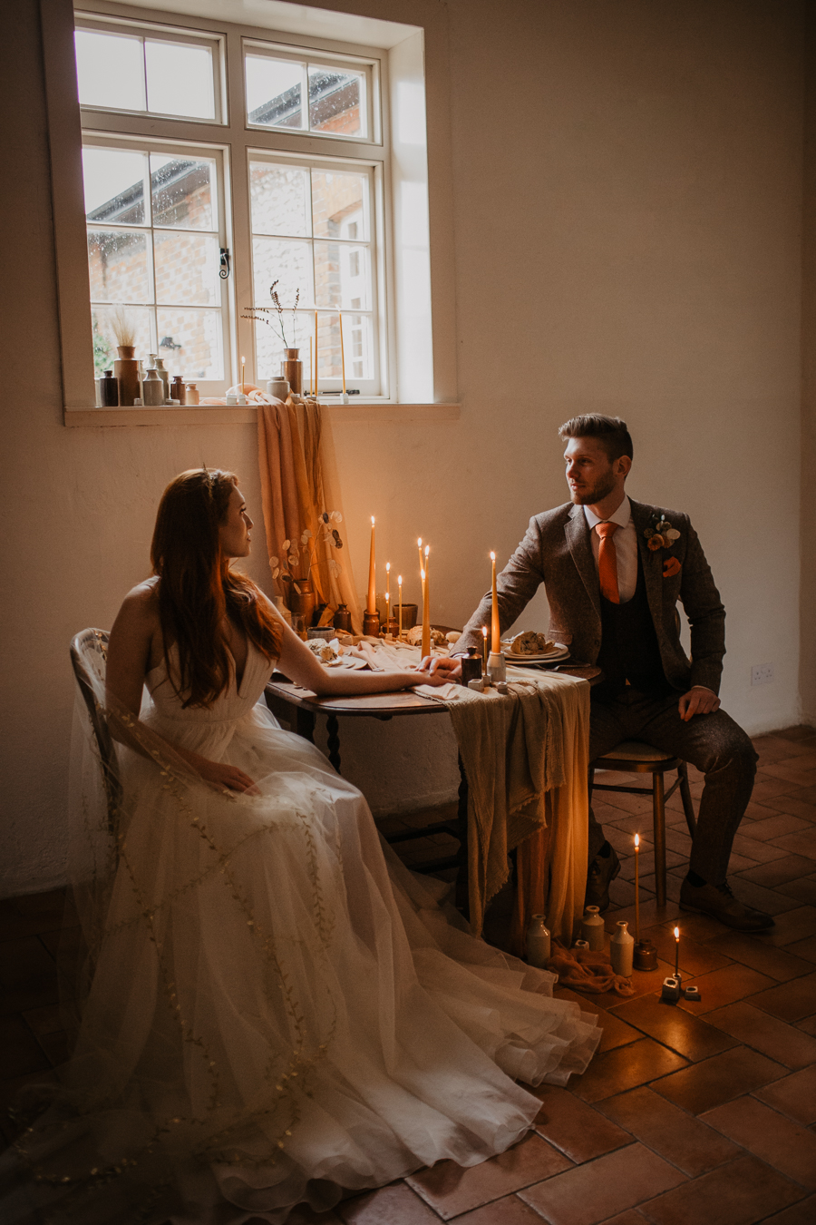 The Toast and Olivejoy Photography's breathtaking wedding styling blog from Bignor House (28)