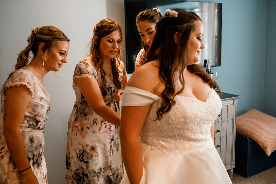 Karis and Will's beautiful Great House Sonning wedding with Damion Mower Photography (9)