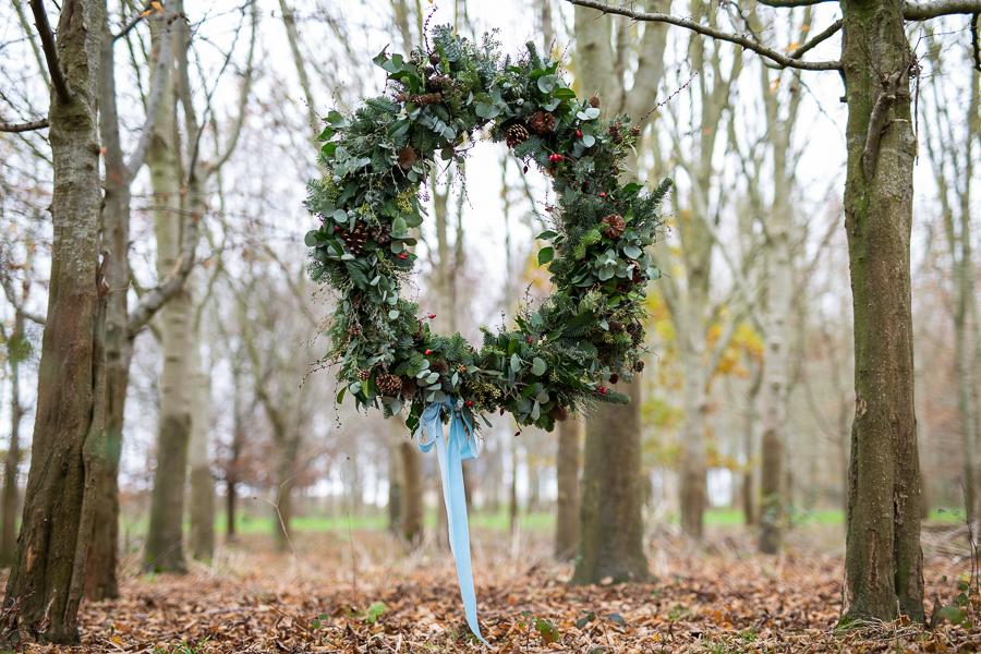 Winter woodland wedding styling ideas, image credit Photography by Chantel (2)