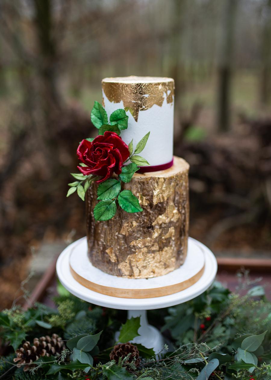 Winter woodland wedding styling ideas, image credit Photography by Chantel (9)