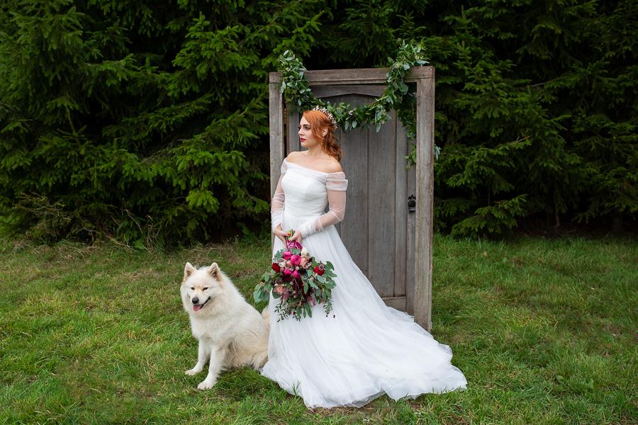 Winter woodland wedding styling ideas, image credit Photography by Chantel (23)