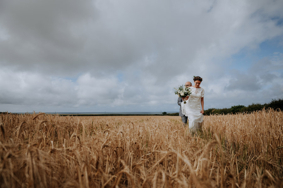 A beautiful Barn Drift wedding photographed by Esther Wild
