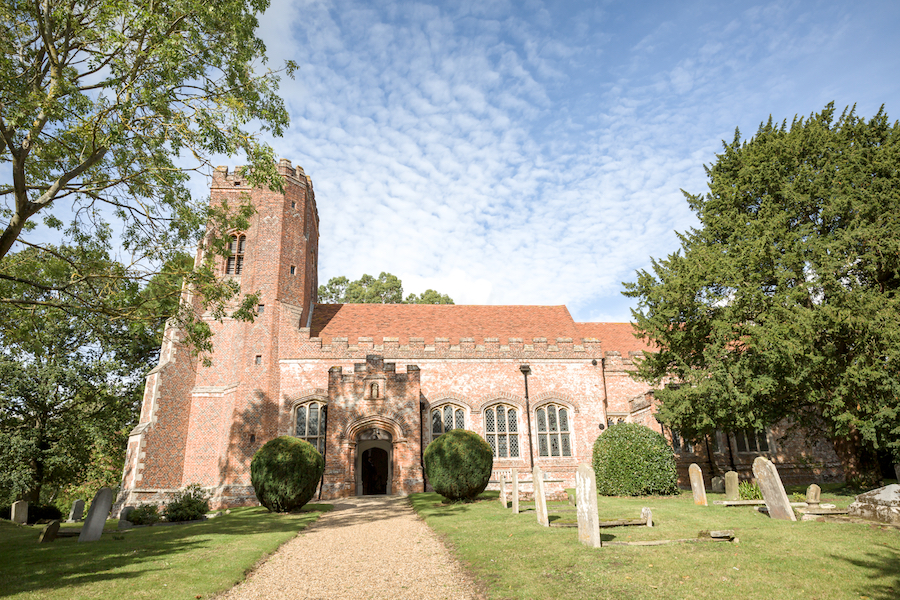 Real wedding by Ayshea Goldberg Photography at Layer Marney Tower (10)