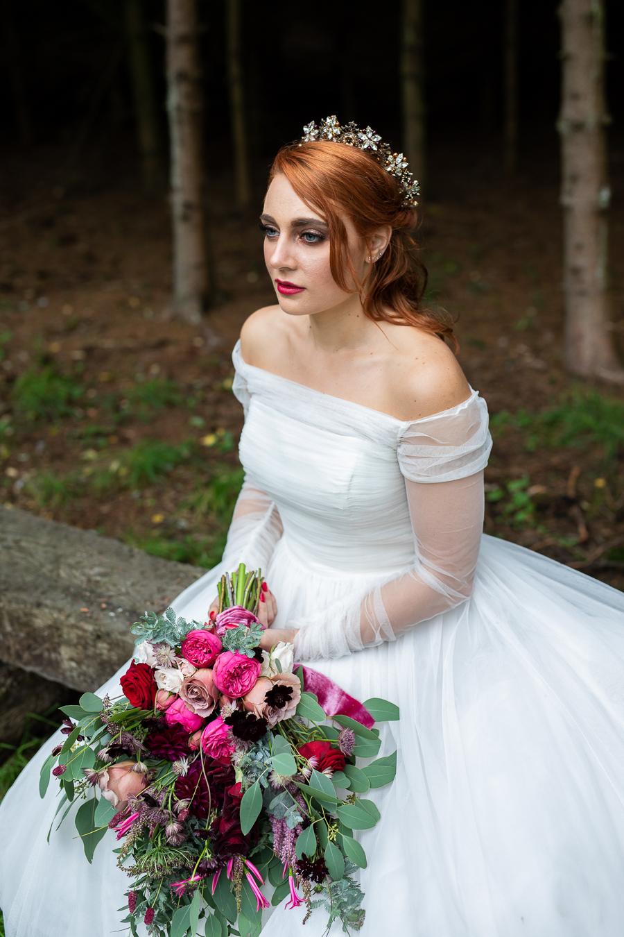 Winter woodland wedding styling ideas, image credit Photography by Chantel (28)