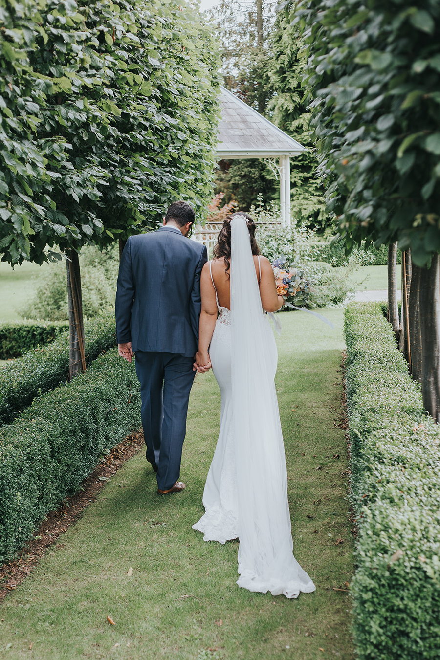 Alex and Ben's beautiful Lemore Manor wedding blog with Sophie Ann Photography (27)