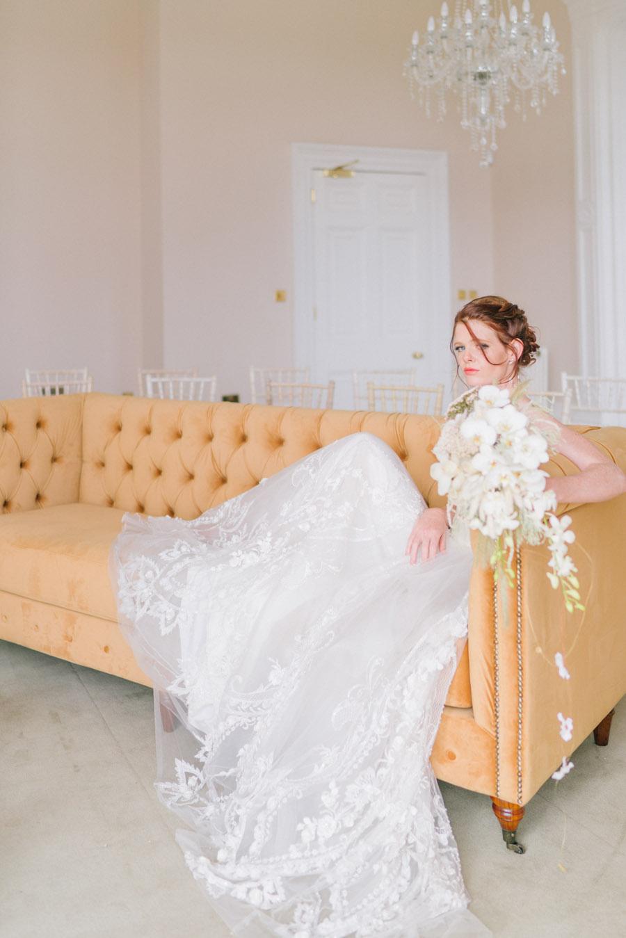 Beautiful emerald green and mustard wedding style ideas, photography by Ioana Porav (18)