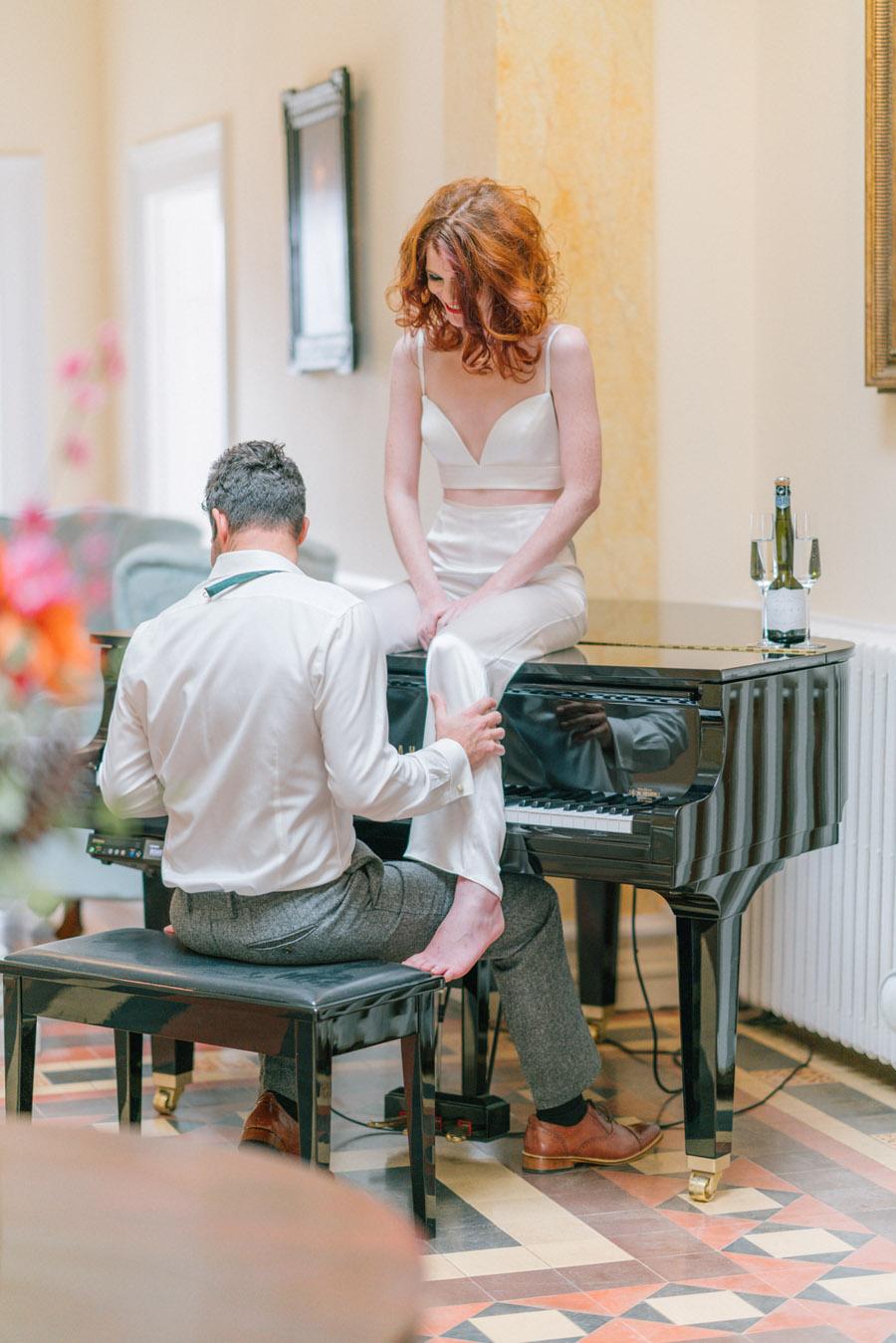 Beautiful emerald green and mustard wedding style ideas, photography by Ioana Porav (22)