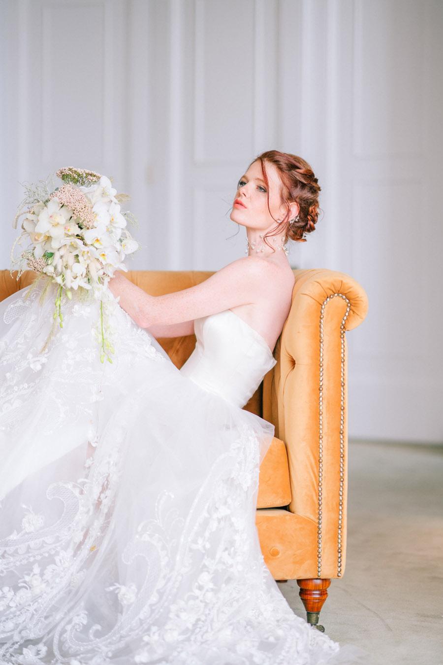 Beautiful emerald green and mustard wedding style ideas, photography by Ioana Porav (1)