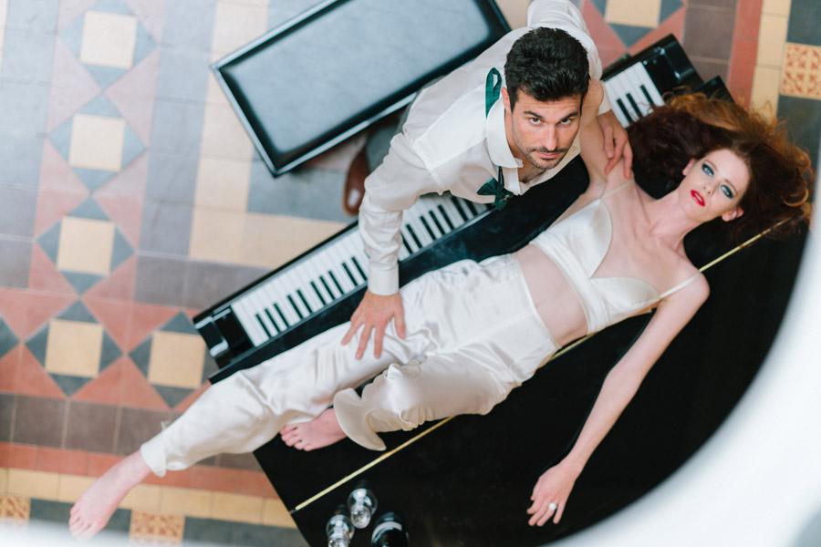 Beautiful emerald green and mustard wedding style ideas, photography by Ioana Porav (24)