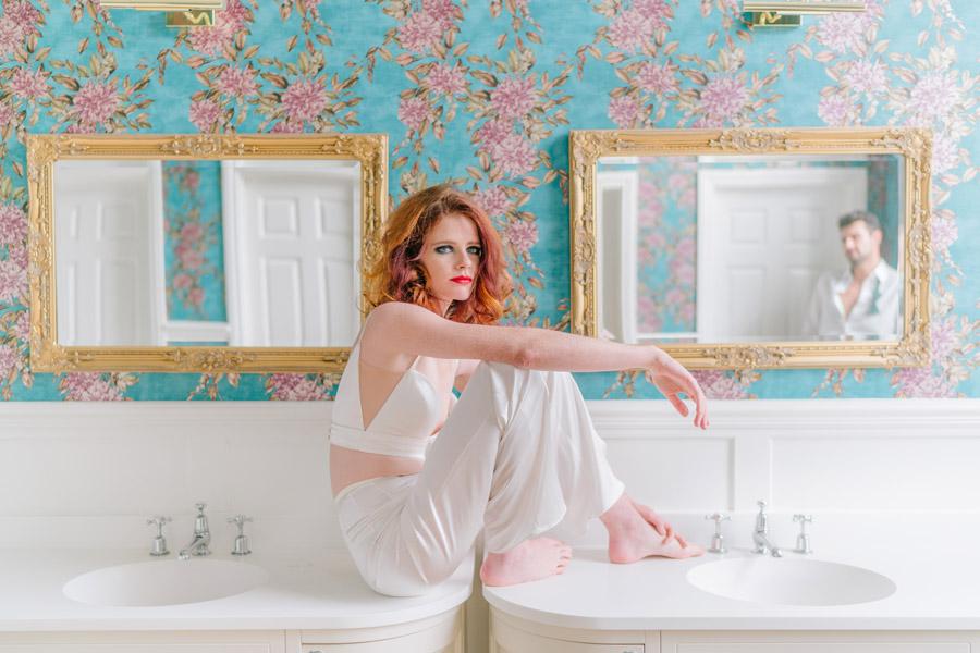 Beautiful emerald green and mustard wedding style ideas, photography by Ioana Porav (26)