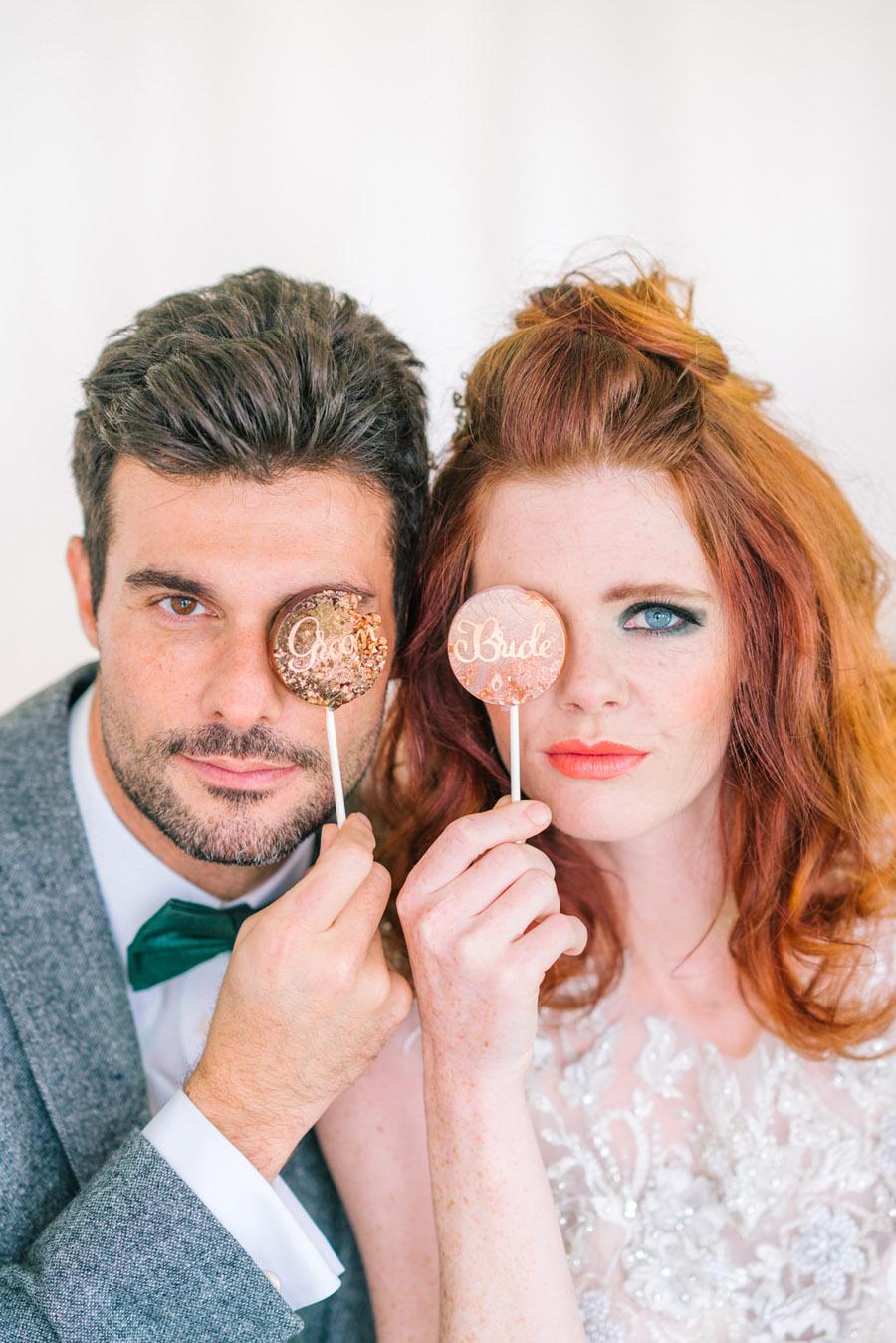 Beautiful emerald green and mustard wedding style ideas, photography by Ioana Porav (30)