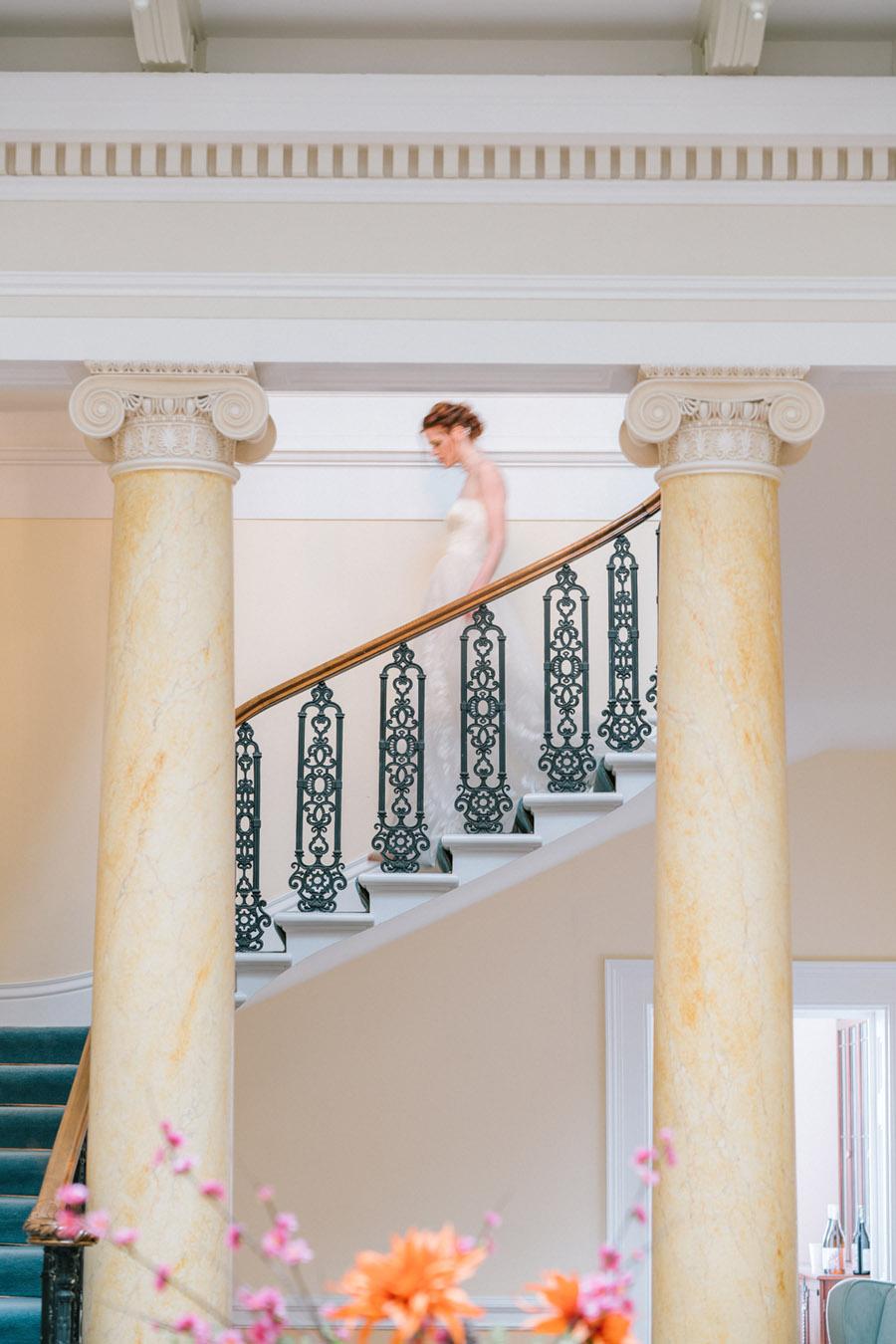 Beautiful emerald green and mustard wedding style ideas, photography by Ioana Porav (3)
