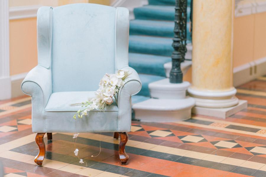 Beautiful emerald green and mustard wedding style ideas, photography by Ioana Porav (10)