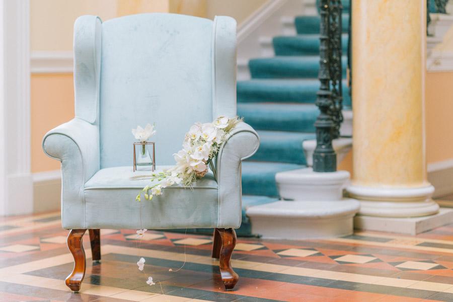 Beautiful emerald green and mustard wedding style ideas, photography by Ioana Porav (12)