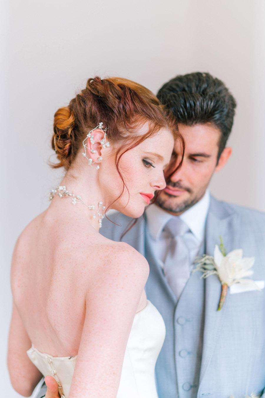 Beautiful emerald green and mustard wedding style ideas, photography by Ioana Porav (17)