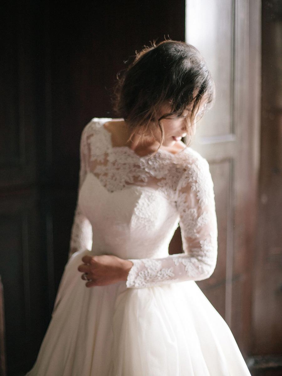 Bespoke bridal couture by Caroline Arthur, image credit Alexander J Collins at Ham House (19)