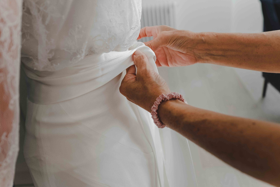 Jessica & Rhys's classical summer wedding at Chelsea Old Town Hall, with Emis Weddings (13)