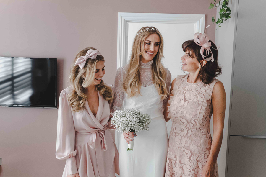 Jessica & Rhys's classical summer wedding at Chelsea Old Town Hall, with Emis Weddings (16)