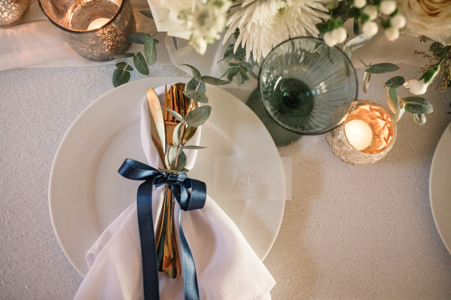 Timeless winter wedding style, with Becky Harley Photography (30)