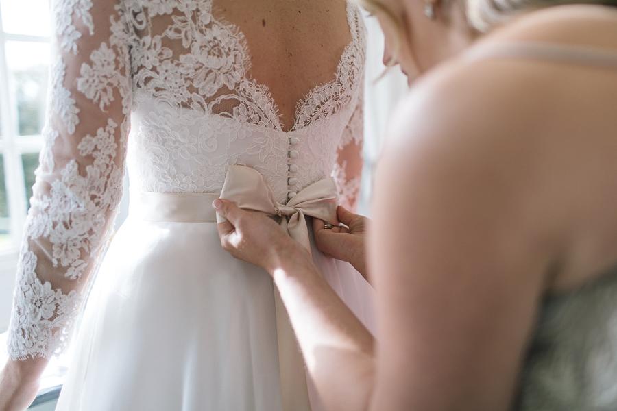 Madeleine & Andrew's elegant autumn wedding at Hedsor, with Katherine Yiannaki Photography (21)