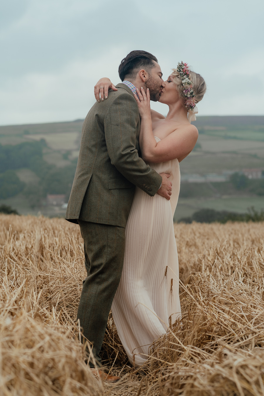 Rural English wedding style at Danby Castle, photo credit Rosanna Lilly Photography (4)