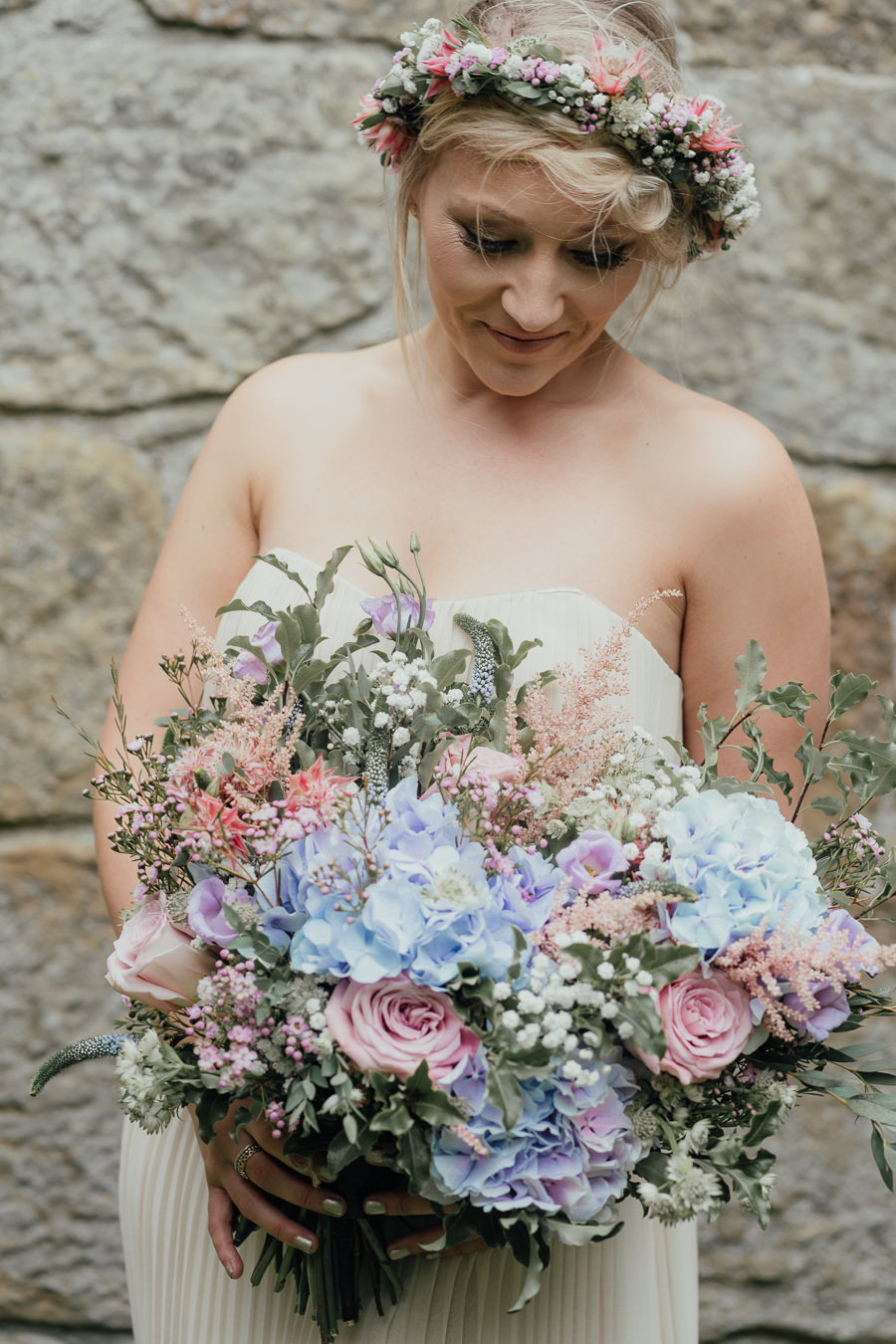 Rural English wedding style at Danby Castle, photo credit Rosanna Lilly Photography (3)