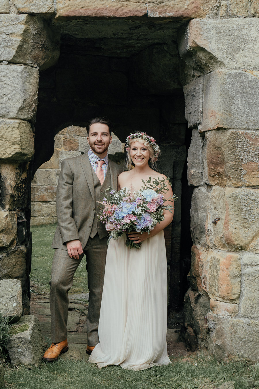 Rural English wedding style at Danby Castle, photo credit Rosanna Lilly Photography (2)