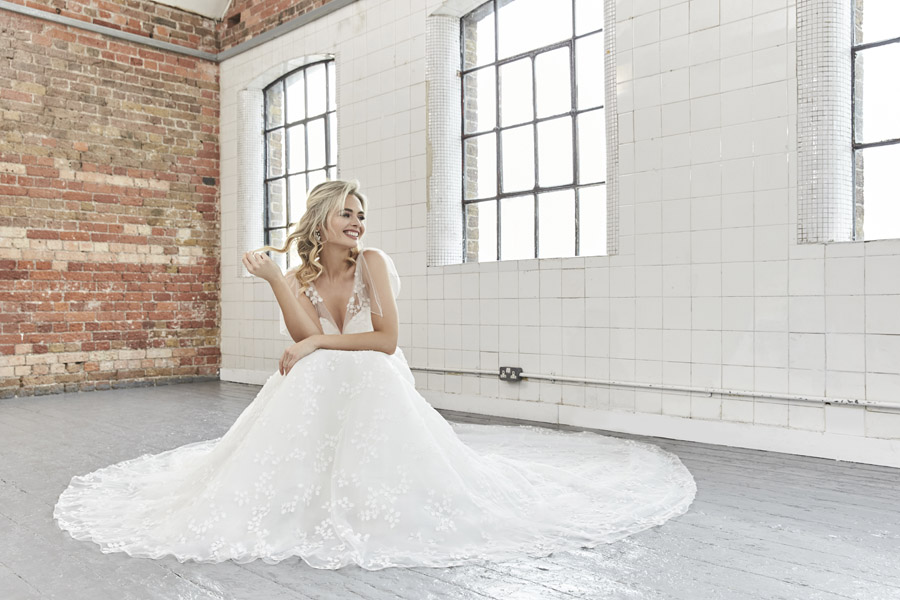 Sassi Holford 2020 wedding dresses UK (19)
