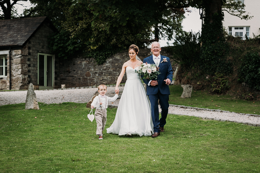 Real wedding at the Green, Cornwall - photography credit Alexa Poppe (19)