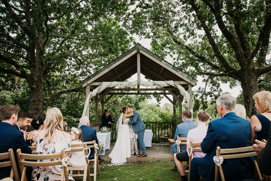 Real wedding at the Green, Cornwall - photography credit Alexa Poppe (26)