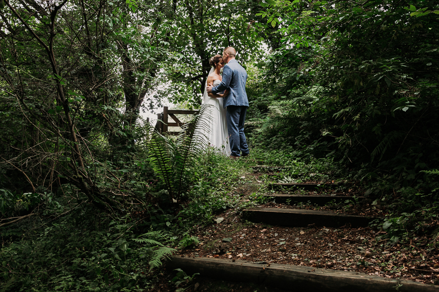 Real wedding at the Green, Cornwall - photography credit Alexa Poppe (35)