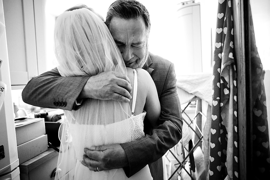 Documentary wedding photographer in Sussex, photo credit Martin Beddall Photography (8)