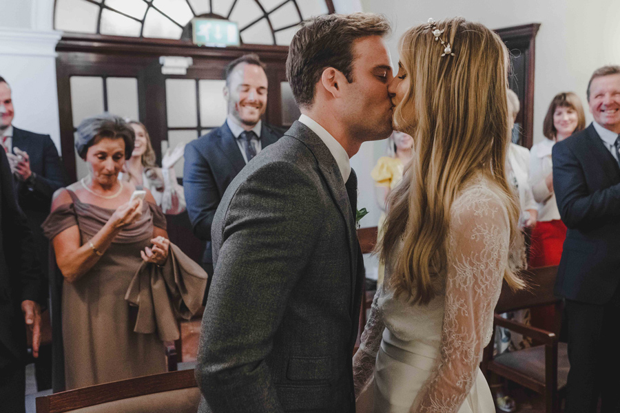 Jessica & Rhys's classical summer wedding at Chelsea Old Town Hall, with Emis Weddings (24)