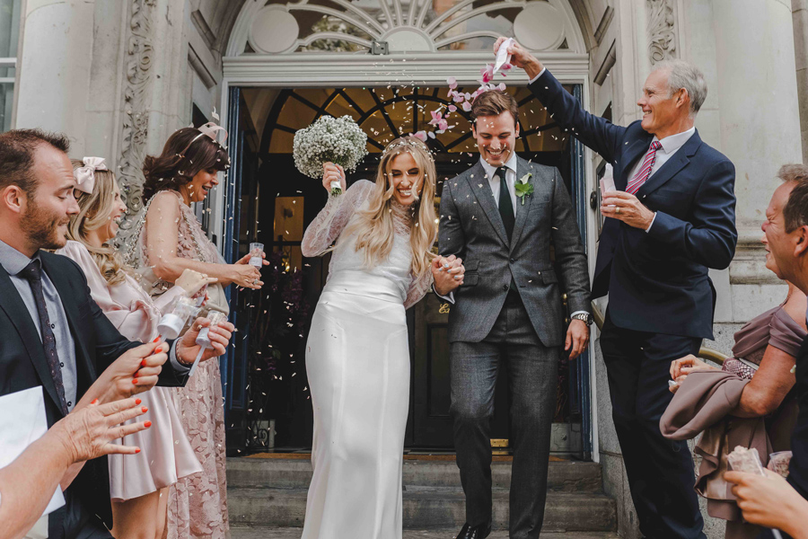 Jessica & Rhys's classical summer wedding at Chelsea Old Town Hall, with Emis Weddings (27)
