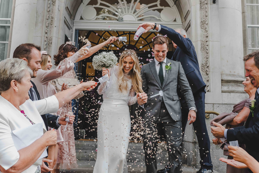Jessica & Rhys's classical summer wedding at Chelsea Old Town Hall, with Emis Weddings (28)