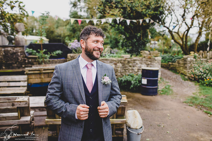 Laura & Oliver's epic Coed Hills wedding, with Hannah Timm Photography (13)
